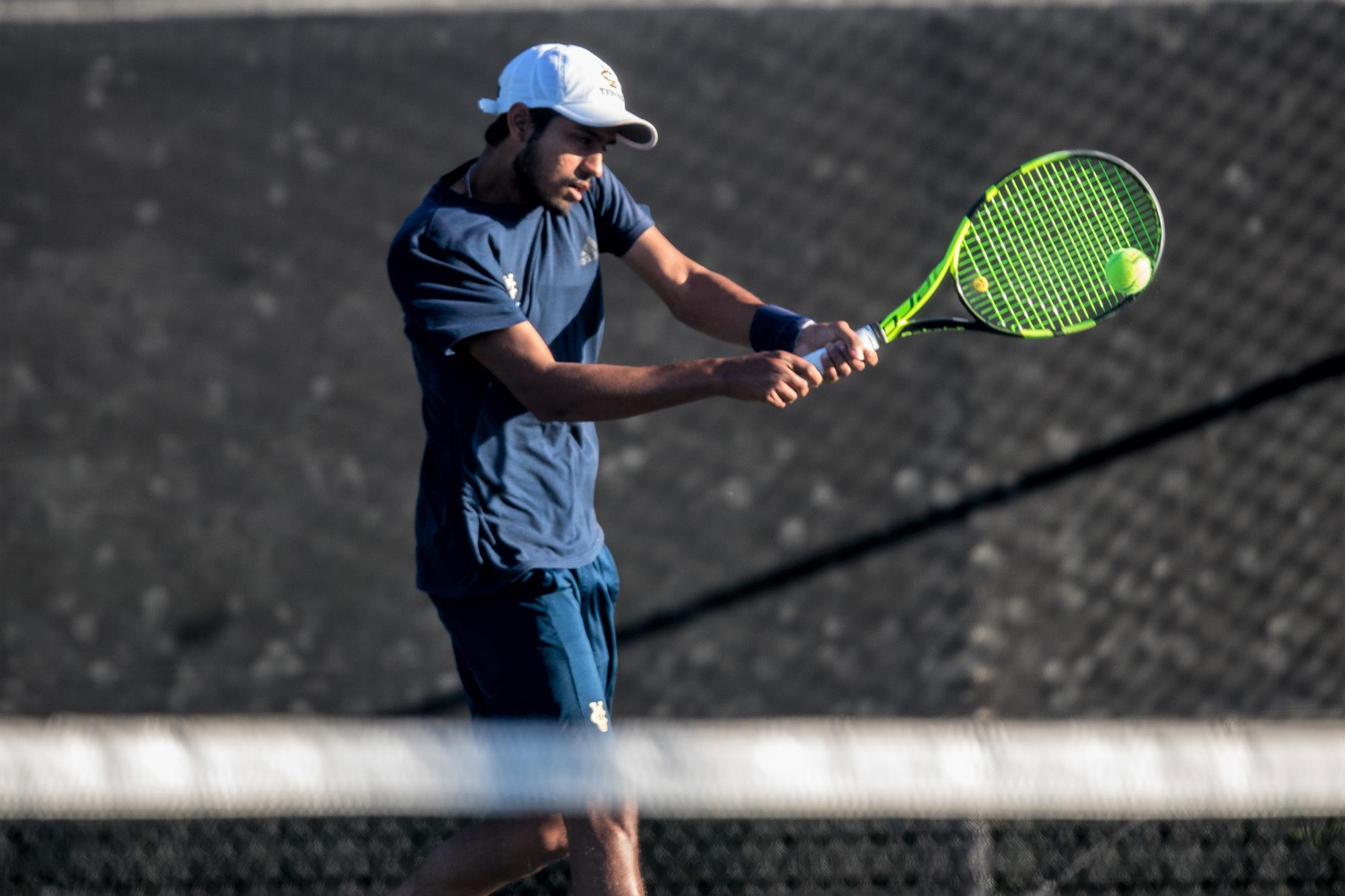 Anteaters Head to the Aloha State for a Pair of Big West Matches